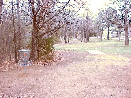 lake park hole 14.jpg (79034 bytes)