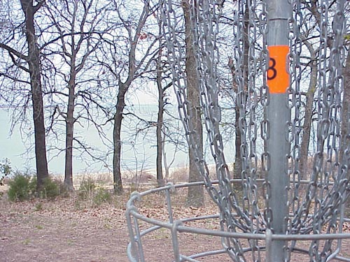 lake park hole 8.jpg (90606 bytes)